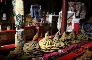 tibetan-robes-09